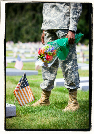 Memorial Day, soldier, cemetary, graveside, sacrifice